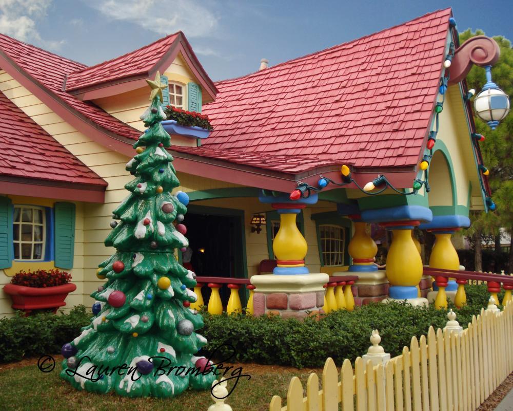Mickey S House At Christmas On Luulla